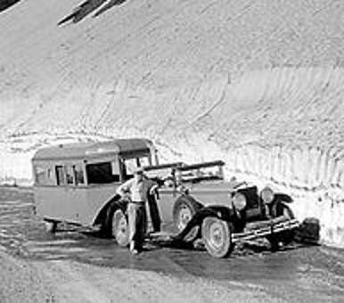 Image of an early RV trailer, showing what is an RV.
